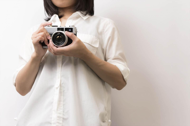 富士フィルムのミラーレスが似合う人のイメージ画像
