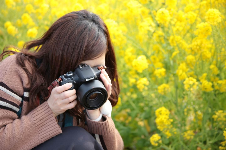 キヤノンのミラーレスが似合う人のイメージ画像